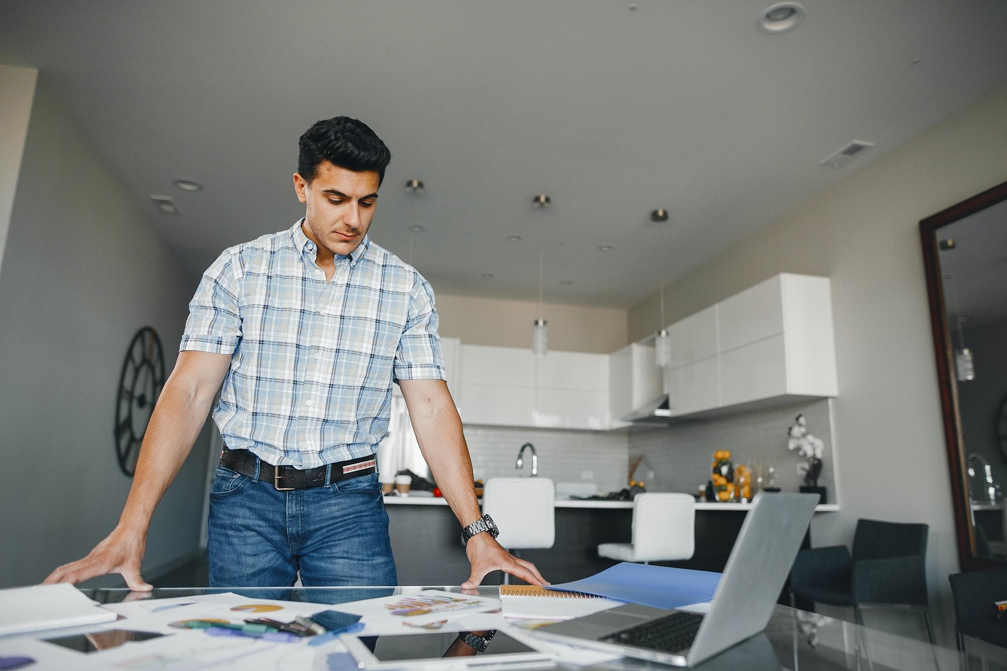 Jakie kursy pomogą w zarządzaniu projektami?