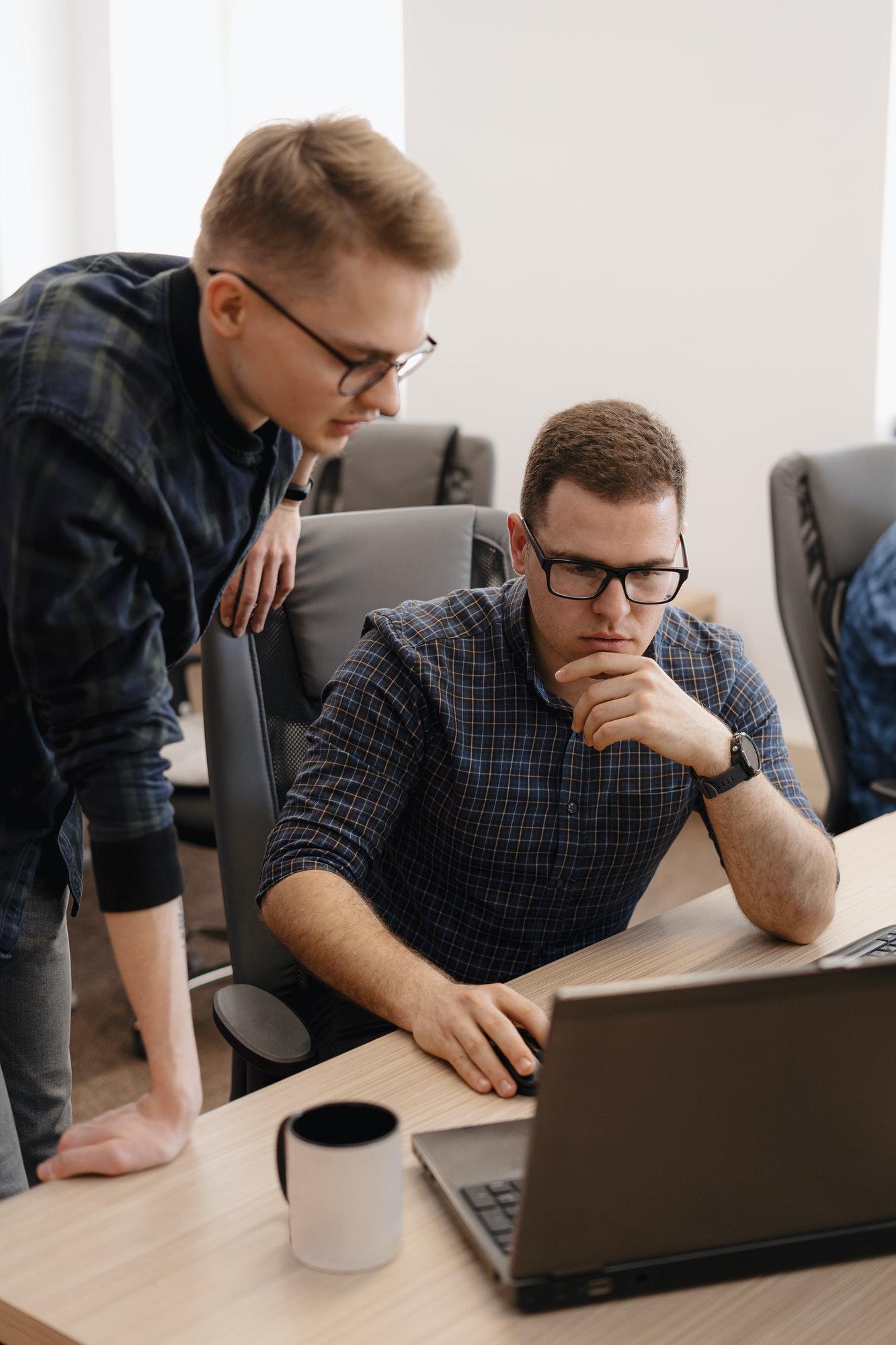 Czy tworzenie zespołów projektowych ma sens?